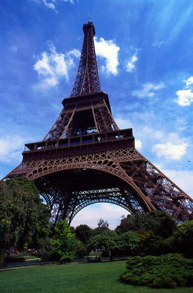 {#Eiffel001.jpg}