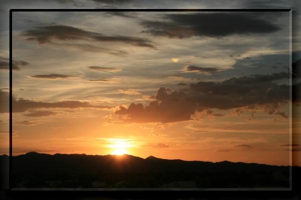 {#sunset00a.jpg}