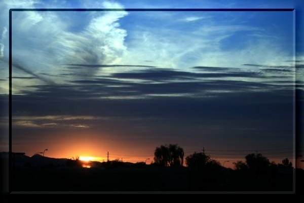 {#sunset01a.jpg}