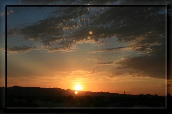 {#sunset02a.jpg}