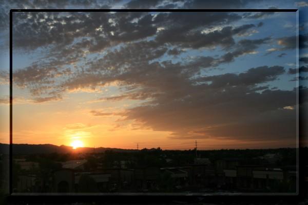 {#sunset03a.jpg}