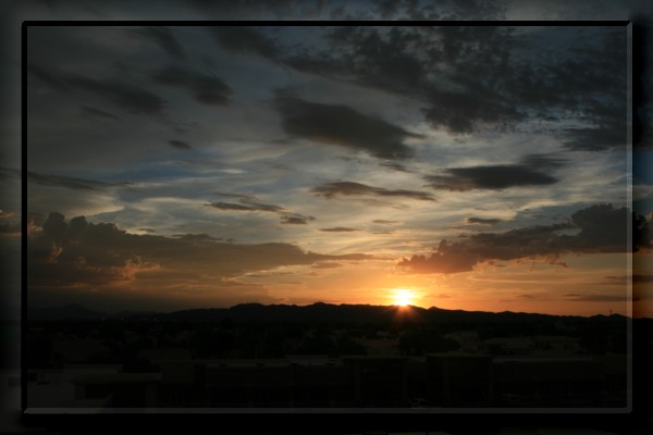 {#sunset04a.jpg}