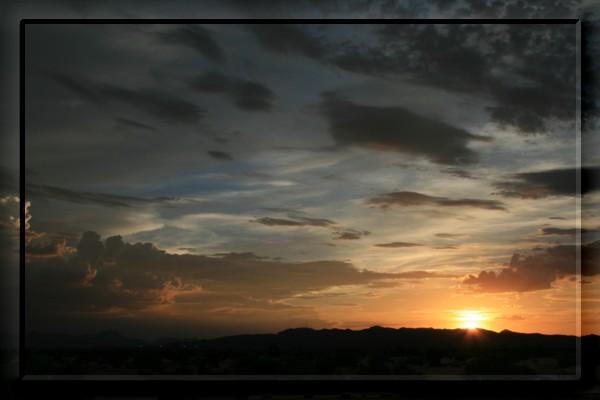 {#sunset05a.jpg}