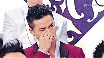 男友羅仲謙在楊怡奪獎一刻,喊得比她還激動。