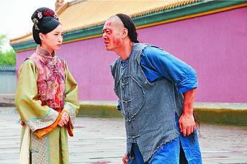 龔嘉欣《金枝慾孽貳》中跟黃德斌有感情戲。